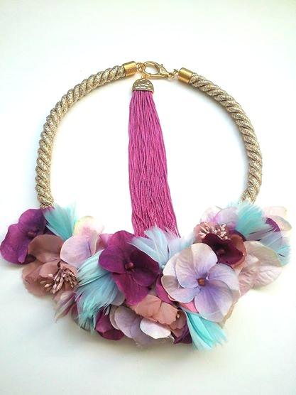 1f8937e845af Collar de flores