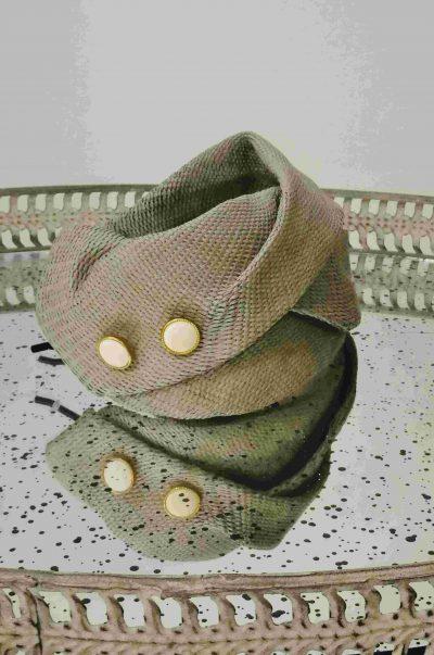 Casquete Bristol vintage con botonadura antigua realizado en tejido natural